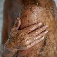 Exfoliantes de rostro y cuerpo. La belleza femenina al detalle